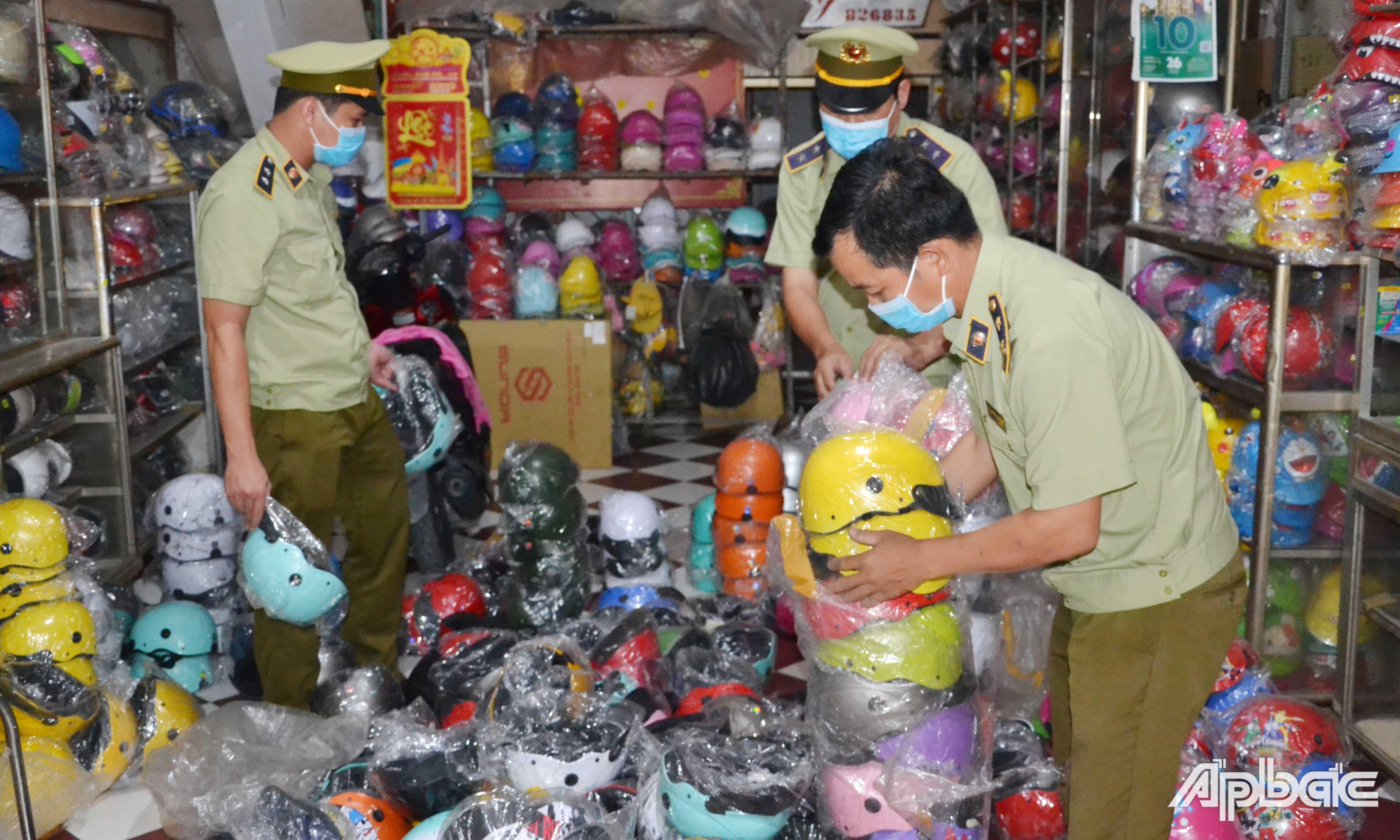 Phát hiện 84 vụ vi phạm về buôn lậu, gian lận thương mại và hàng giả