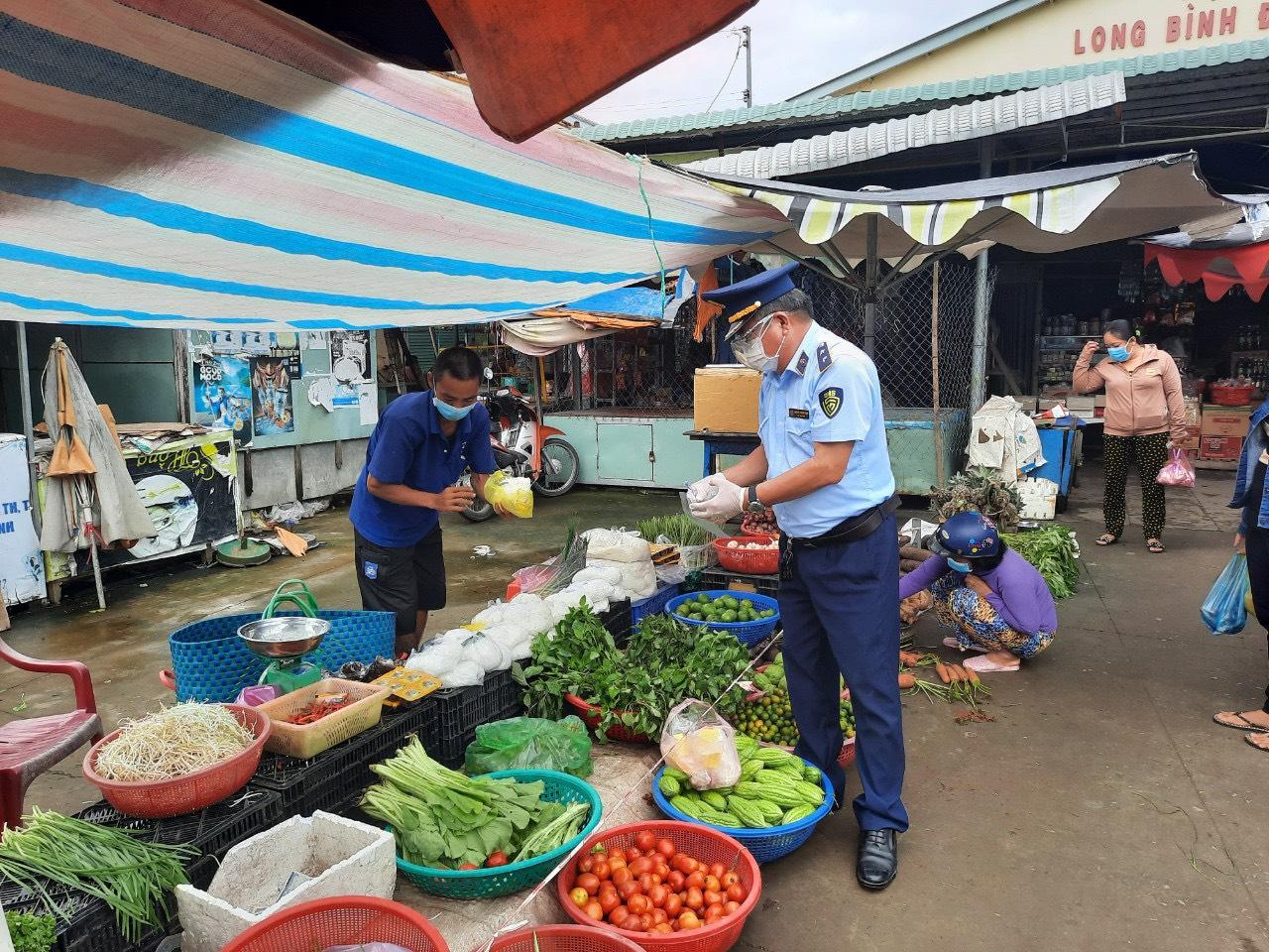 Tiền Giang: Tăng cường công tác giám sát chất lượng an toàn thực phẩm tại các chợ
